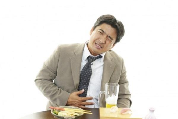 thoát vị đĩa đệm gây đau dạ dày